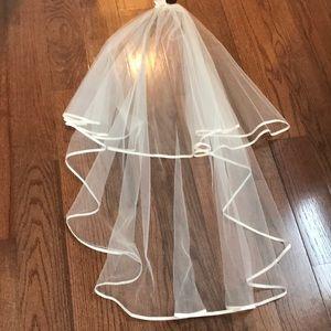 Paloma Blanca bridal veil